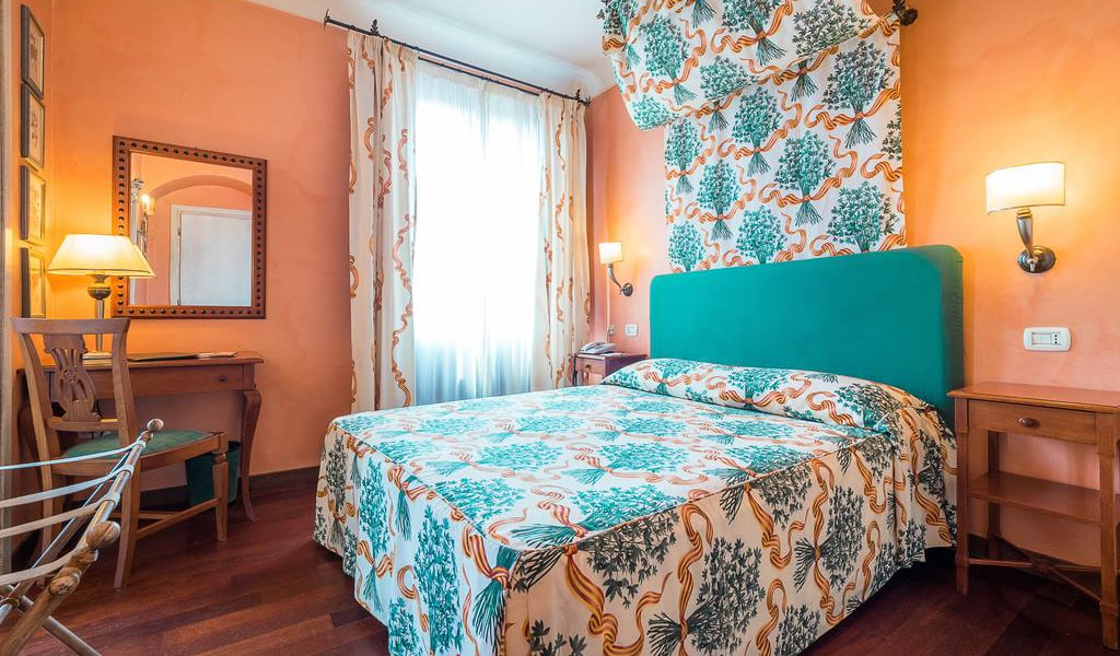 Double or Twin Room with Free WIFI and Parking5-min