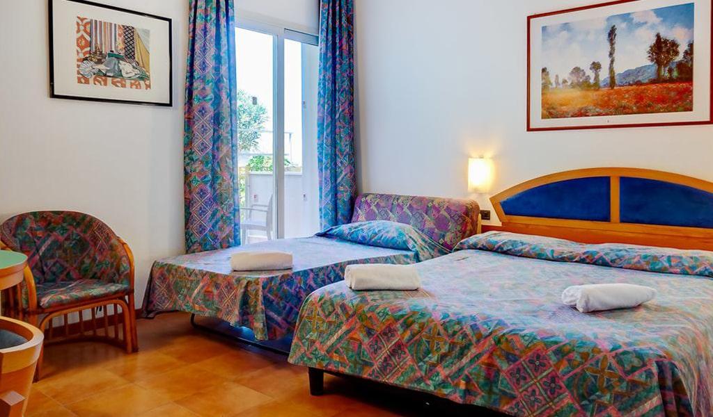 Hotel Antares (8)