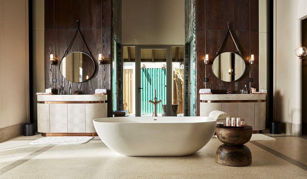 Luxury Water villa (4)