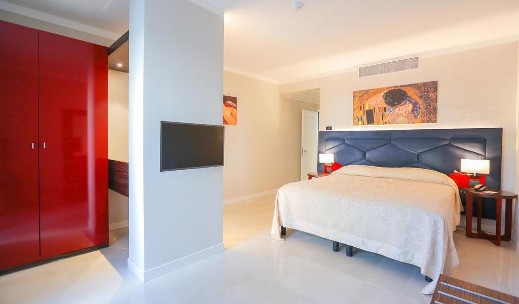 Superior Double Room11-min
