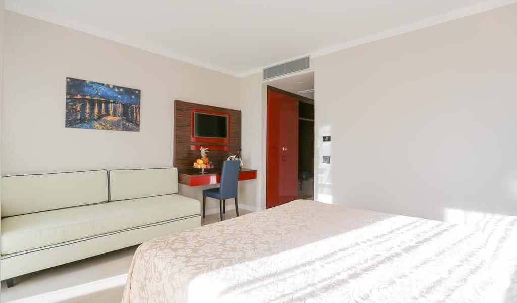 Superior Double Room8-min