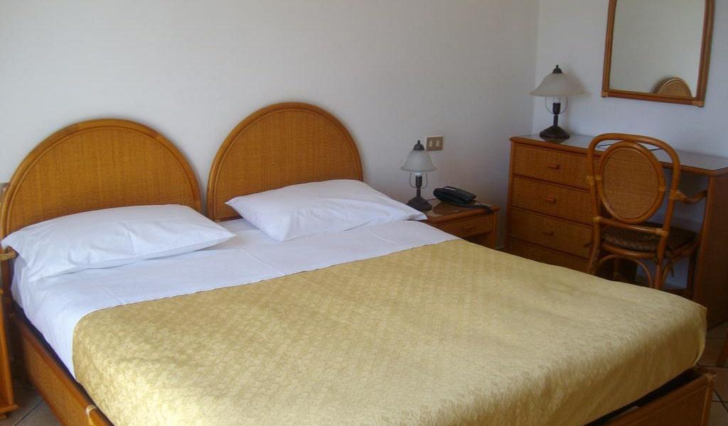 Triple Room-min