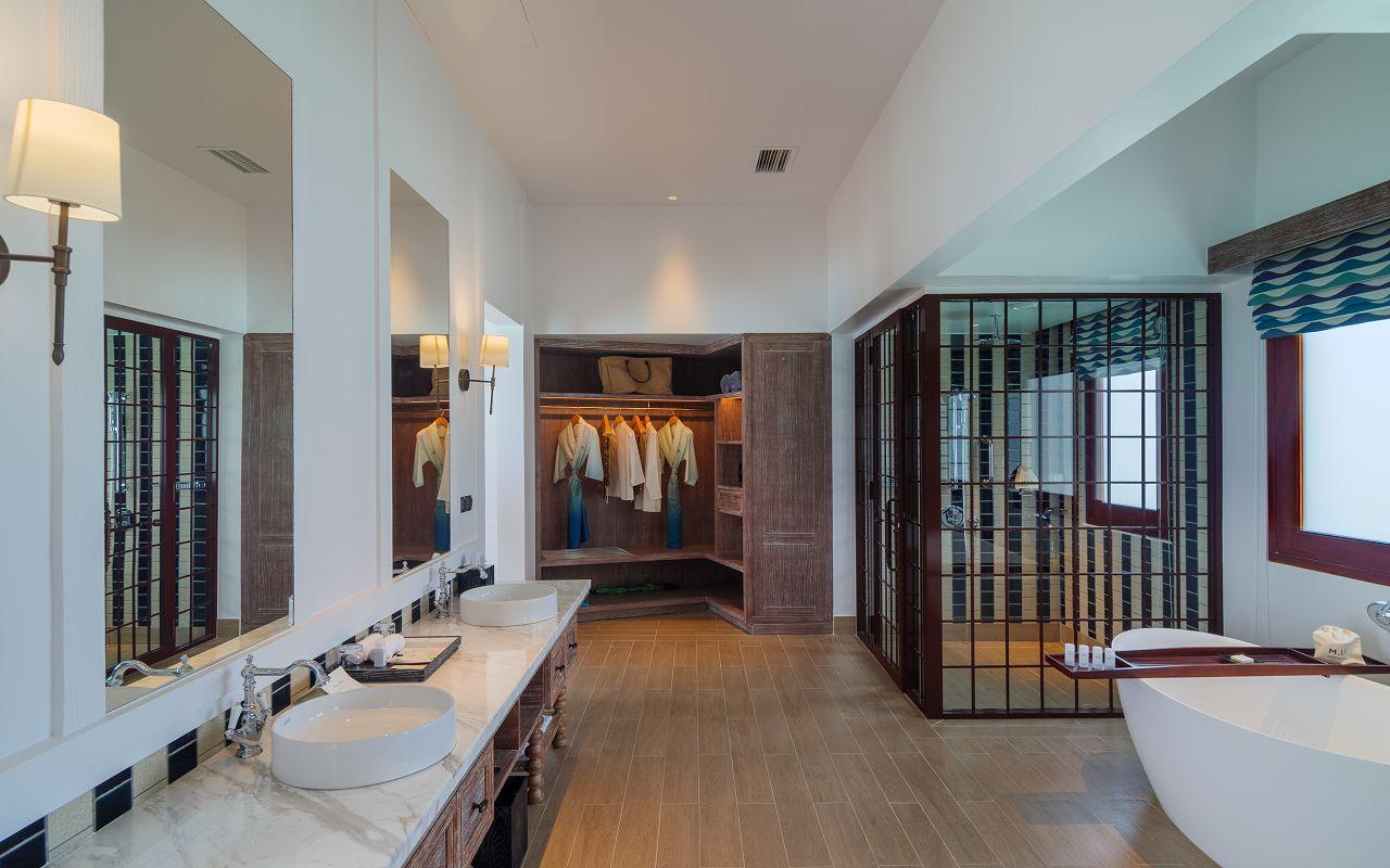 2-Bedroom Overwater Pool Villa (4)