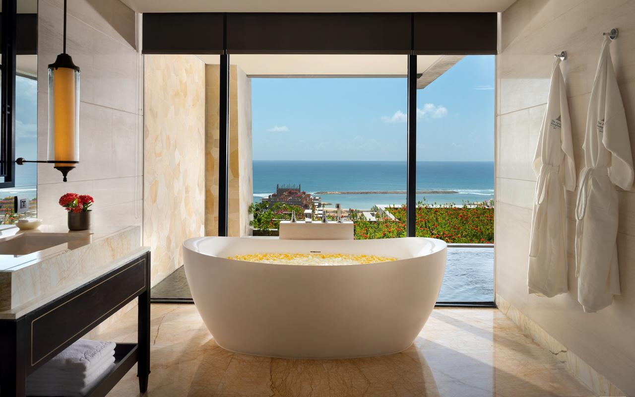 D. Cliff Private Pool Ocean Suite_Bathroom 2