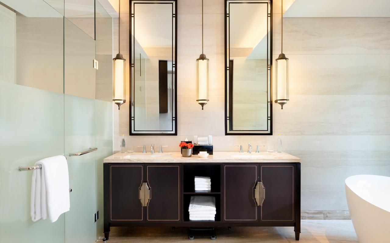 D. Cliff Private Pool Ocean Suite_Bathroom 3