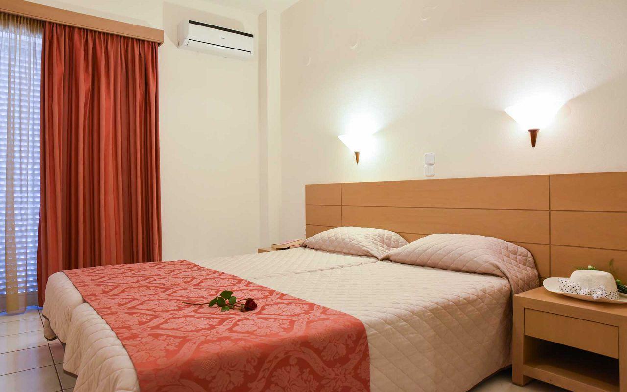 chania-crete-agia-marina-theo-hotel-rooms-studios-16