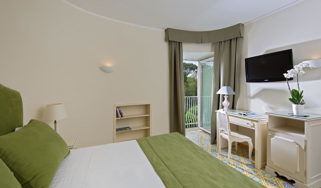 Comfort Double Room with Park View 5-min
