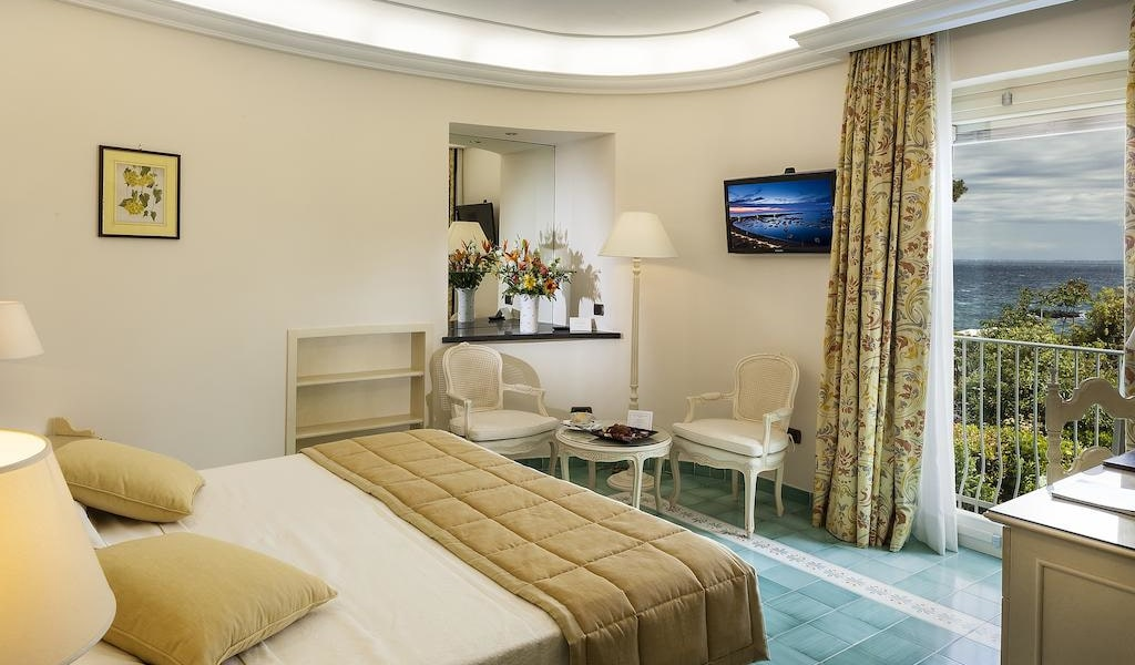 Comfort Double Room with Sea View4-min