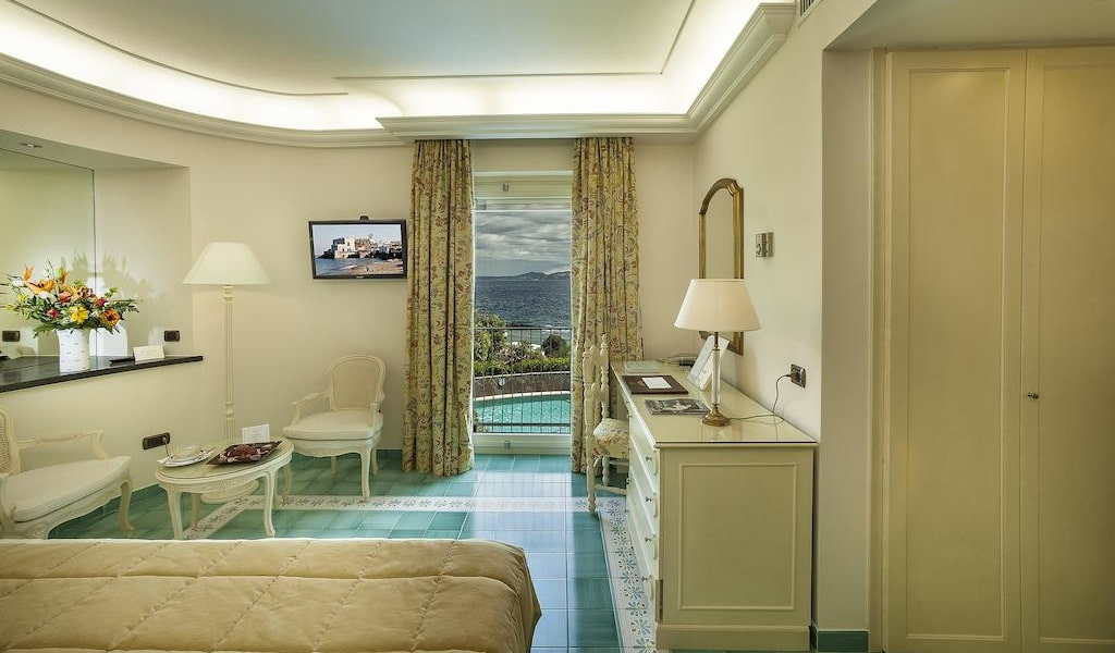 Comfort Double Room with Sea View5-min
