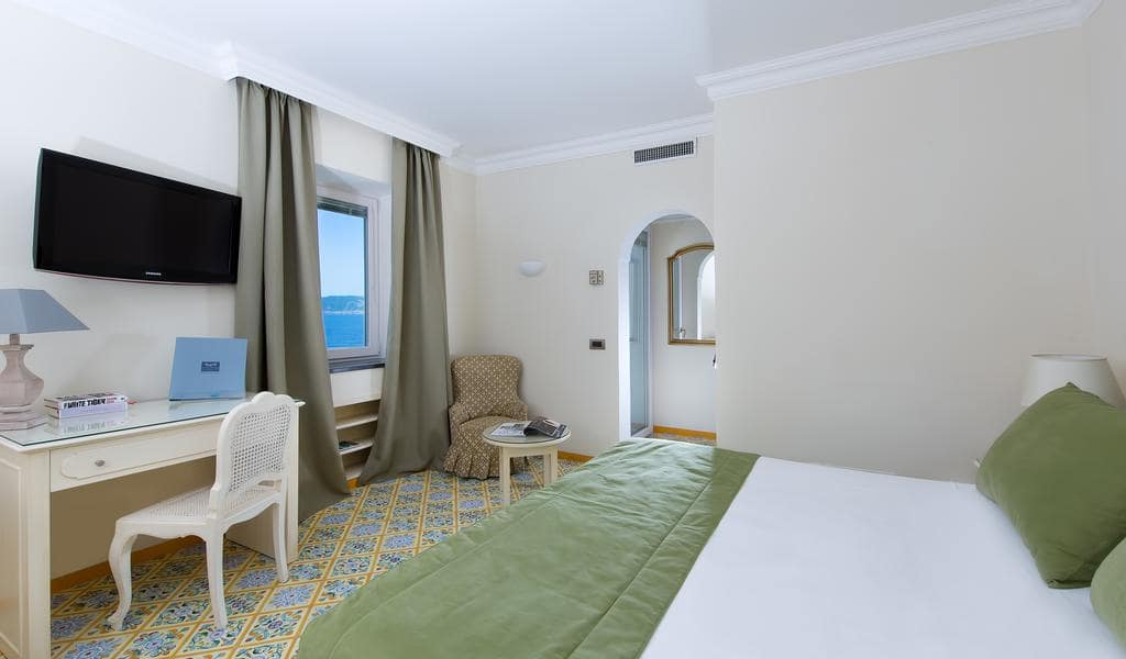 Comfort Double Room with Sea View7-min