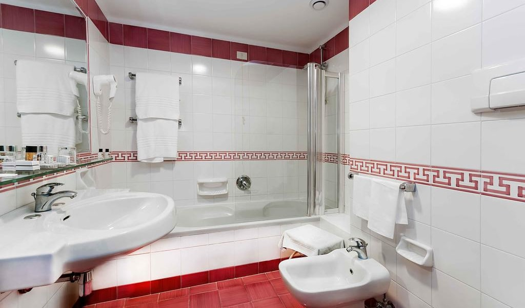 Comfort Double Room with Sea View9-min