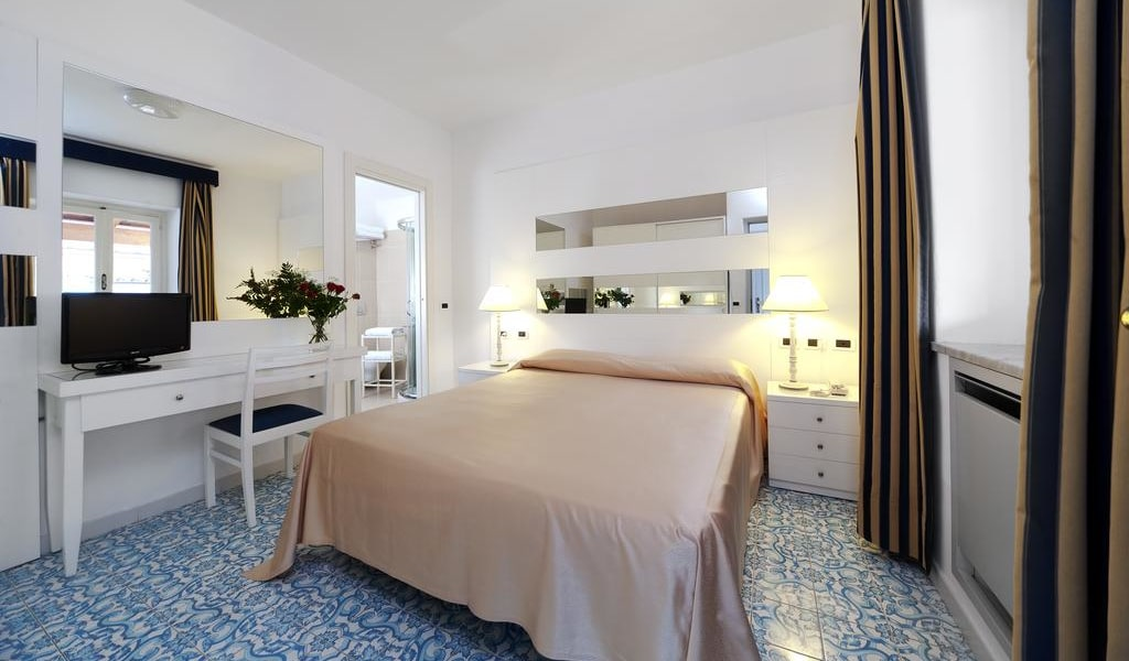 Comfort Double or Twin Room with Balcony -min