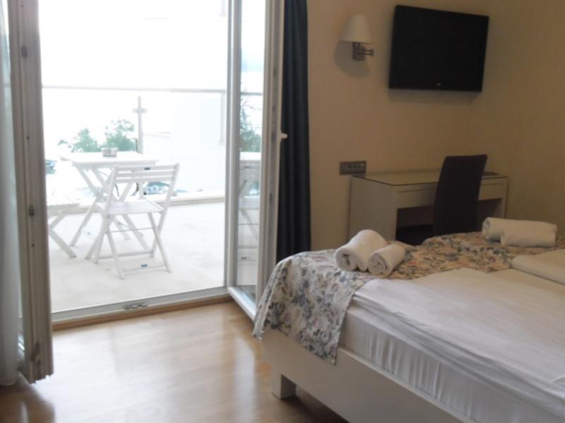 Double Room Sea View Balcony4