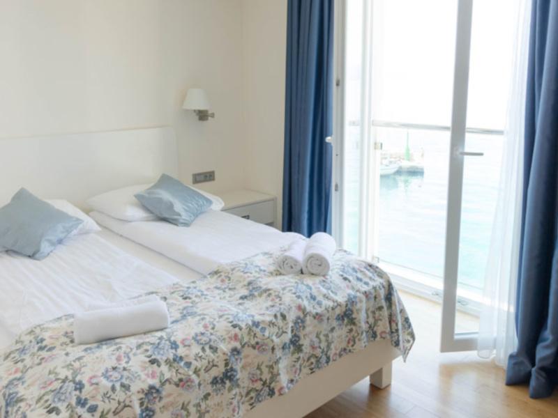 Double Room Sea View3