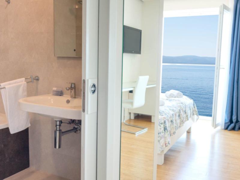 Double Room Sea View5
