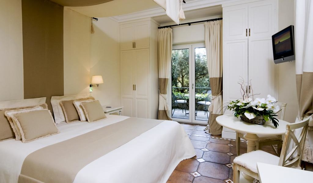 Double Room with Garden View 4-min