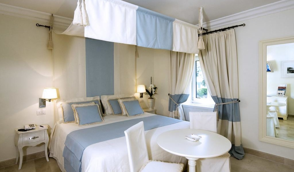Double Room with Sea View 7-min