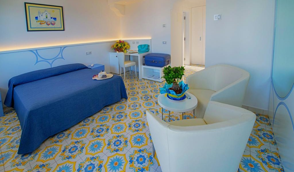 Junior Suite with Sea View 3-min