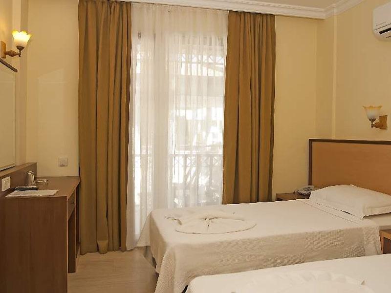 Kemper Felice Hotel9-min