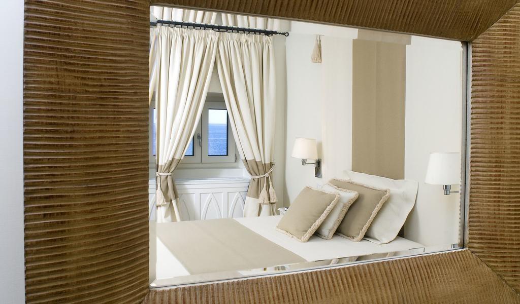 Single Room with Sea View 2-min