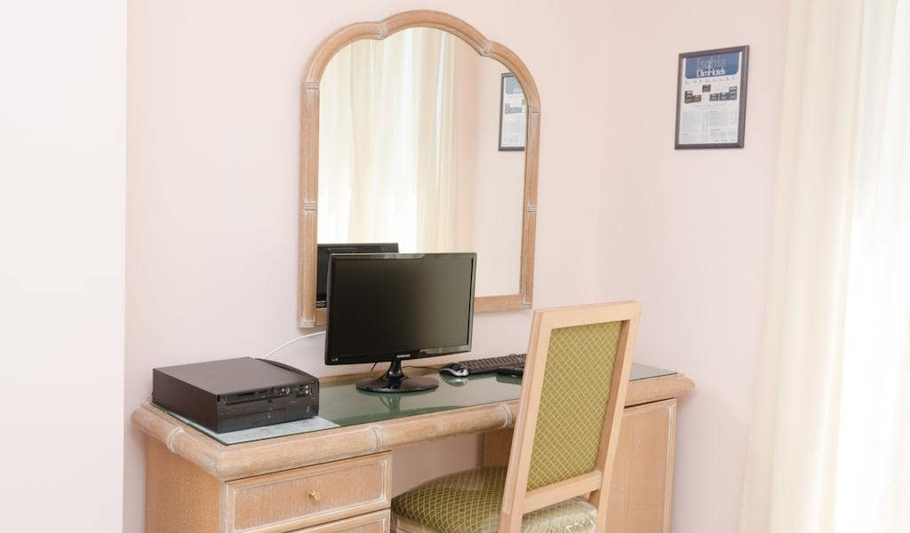 Standard Double Room with Sea View4-min
