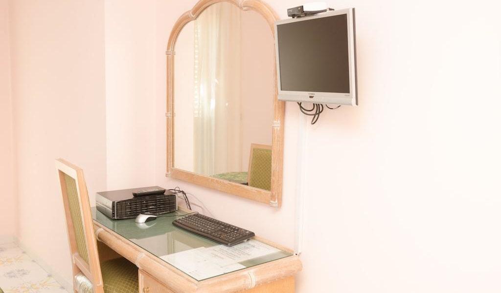 Standard Double Room3-min