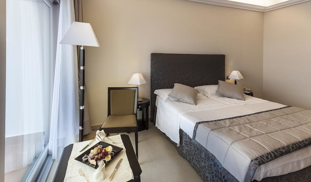 Superior Deluxe Double or Twin Room 4-min