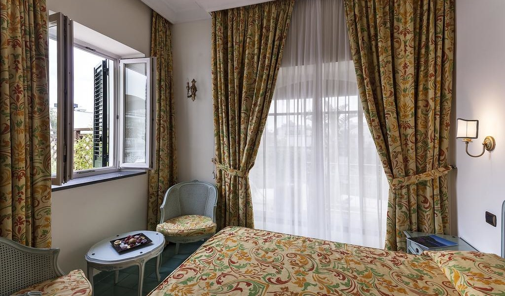 Superior Double Room with Park View 2-min