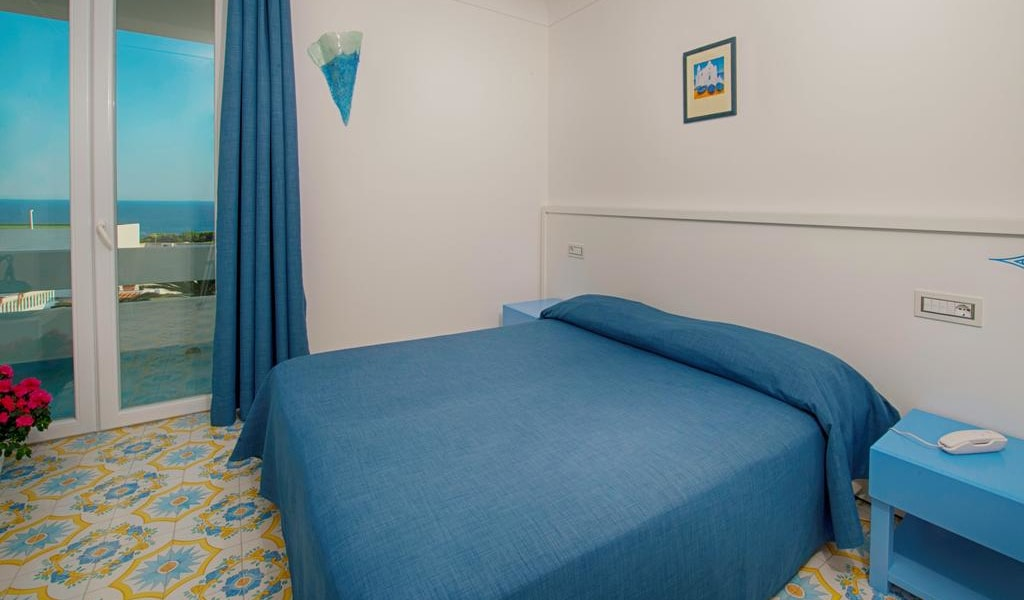 Superior Double or Twin Room with Sea View 2-min