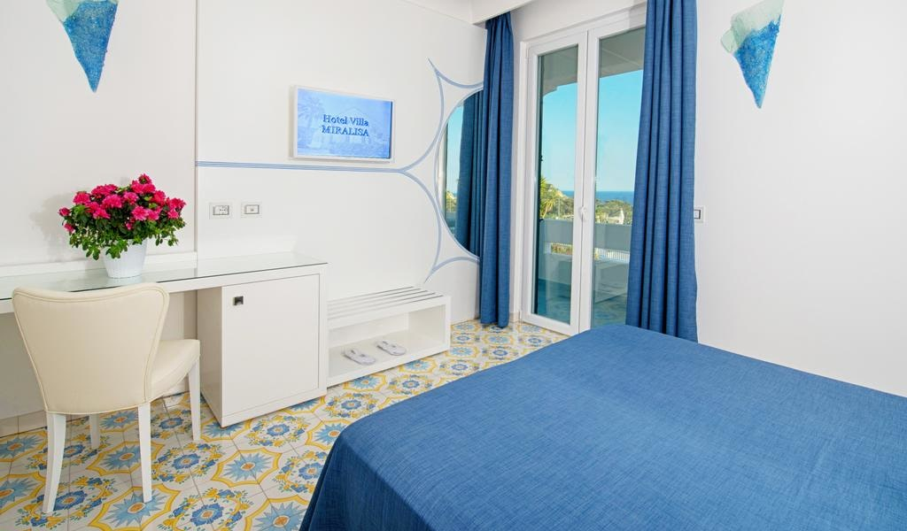 Superior Double or Twin Room with Sea View -min
