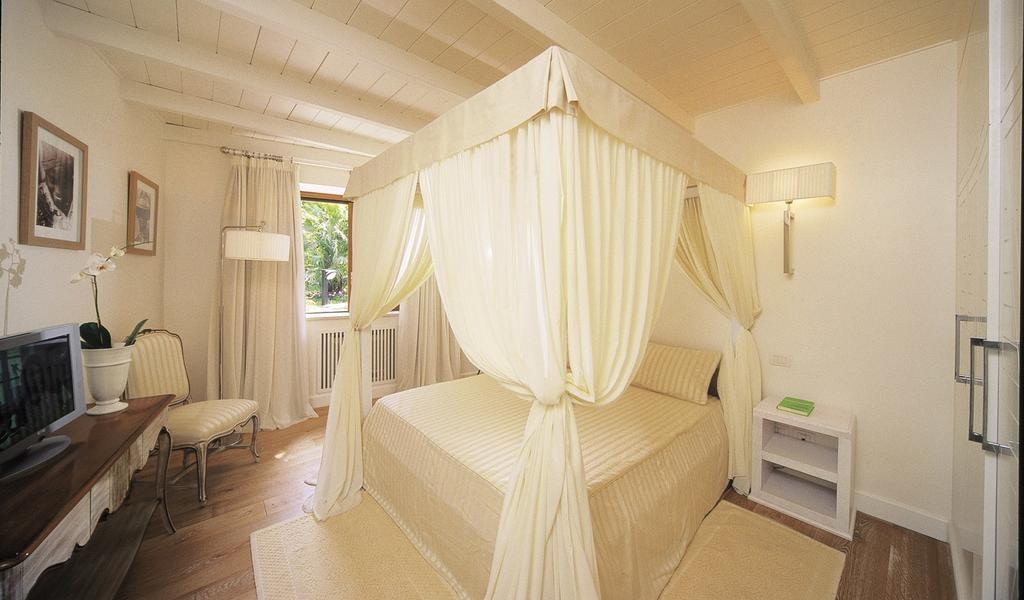 Two-Bedroom Deluxe Bungalow 2-min