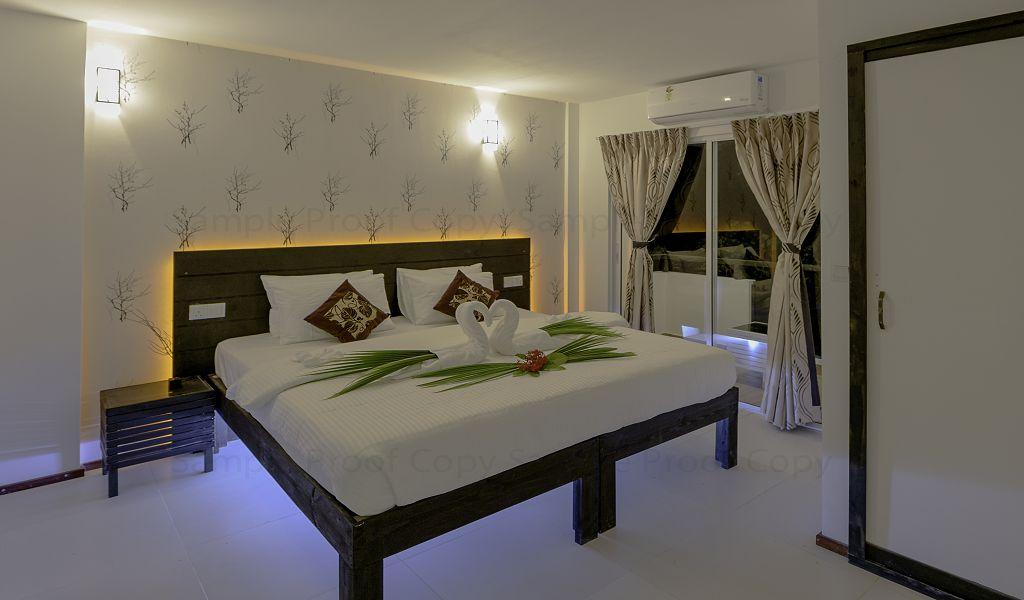 7The Crown Beach Hotel (1)