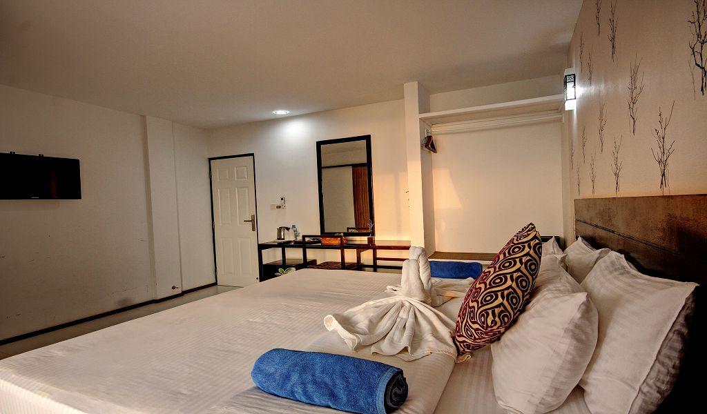 7The Crown Beach Hotel (18)