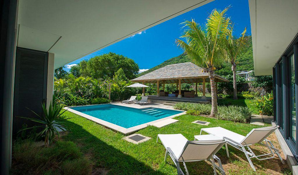 Deluxe Villa (2)