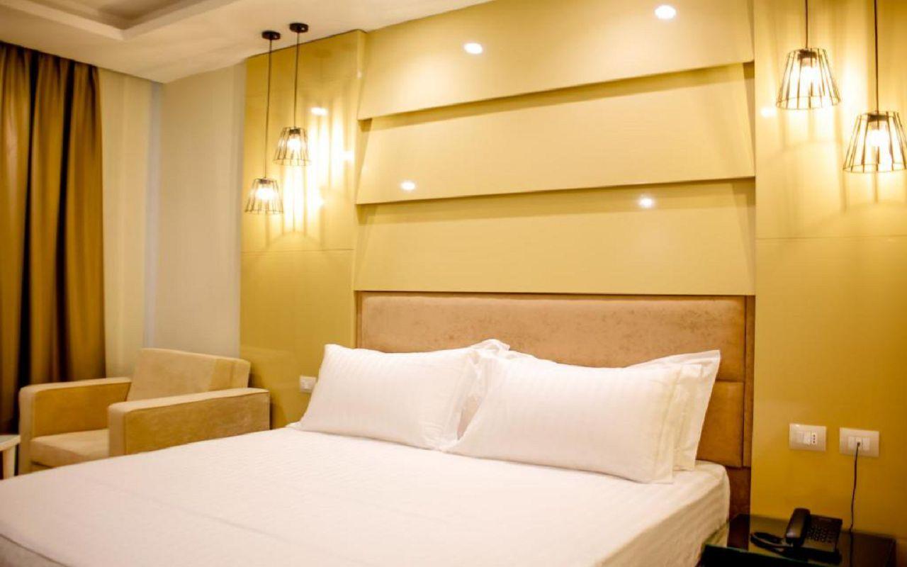 Luxury Hotel (12)