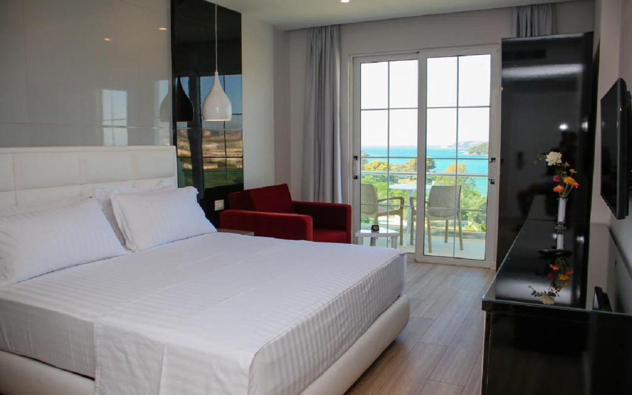 Luxury Hotel (20)