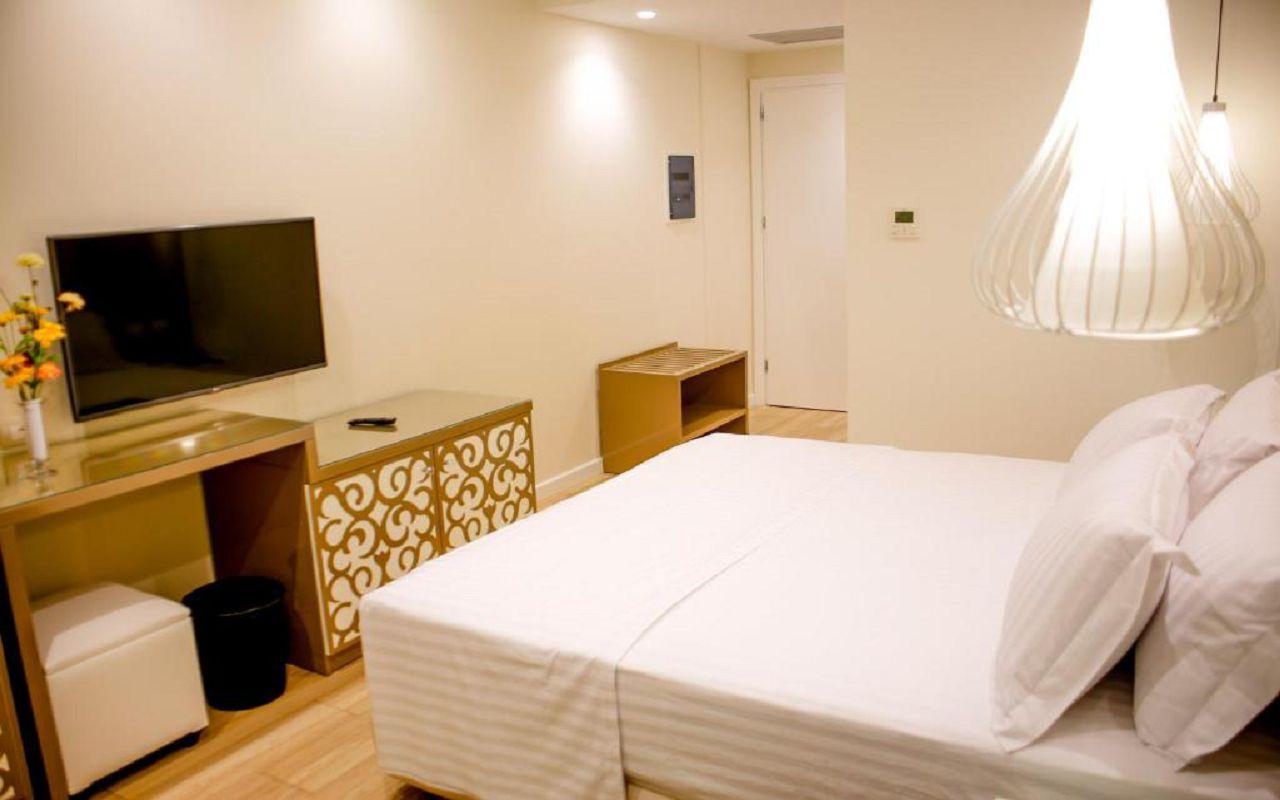 Luxury Hotel (3)