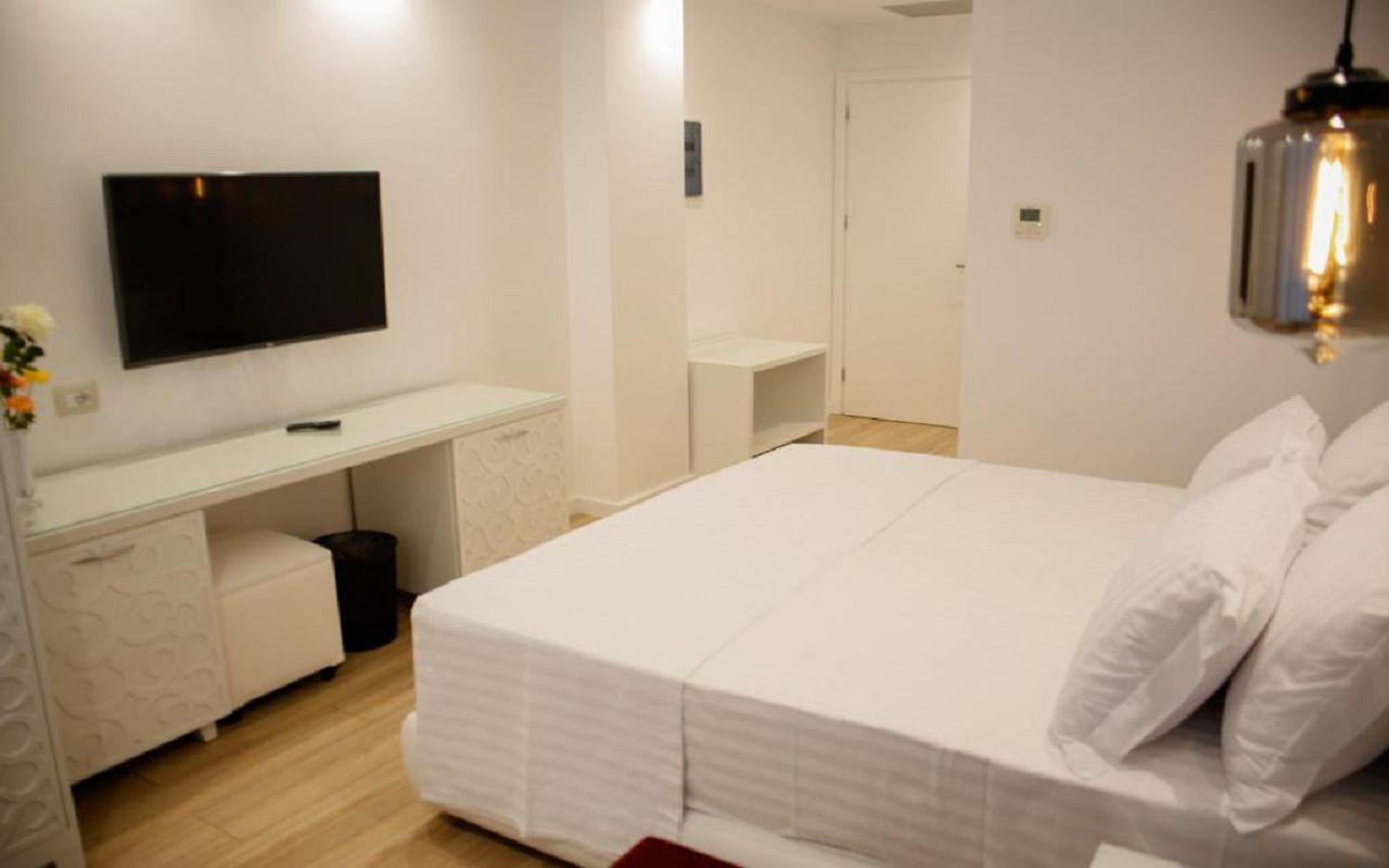 Luxury Hotel (4)