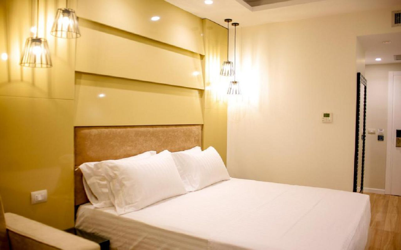 Luxury Hotel (8)