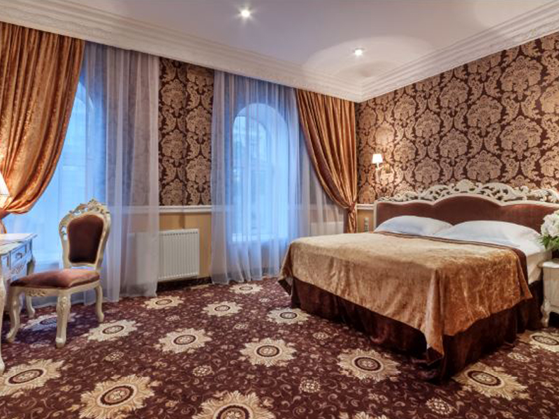 lvov_0001_Junior Suite