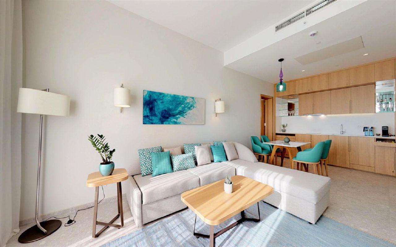 13-grand-deluxe-corner-suite-view