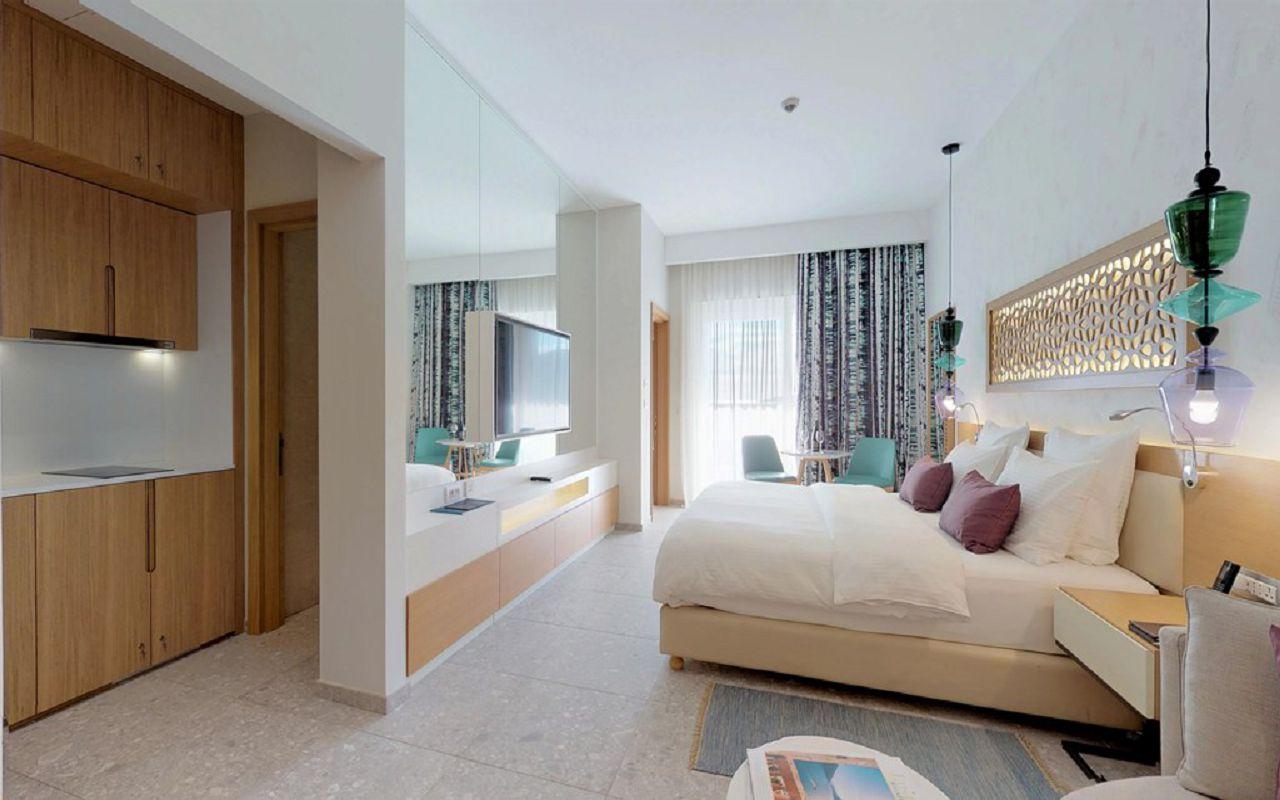 3-grand-deluxe-room