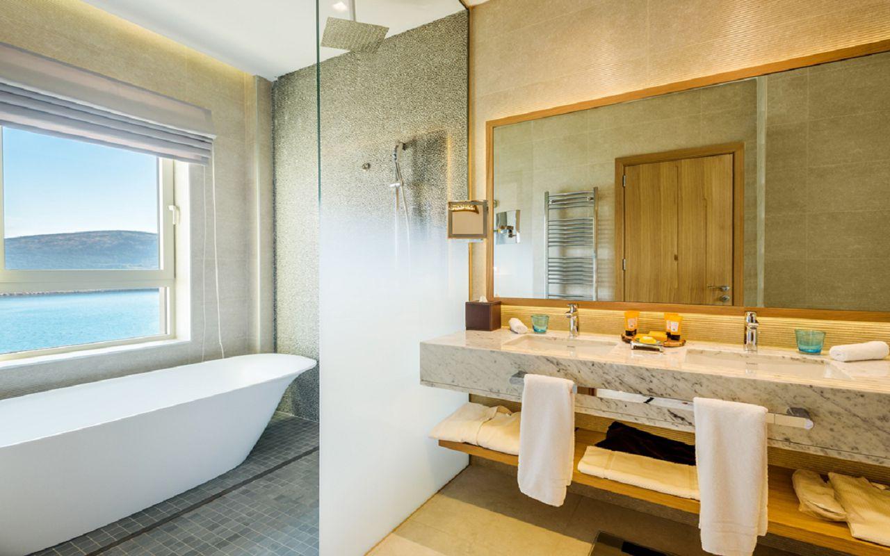 4-grand-deluxe-room