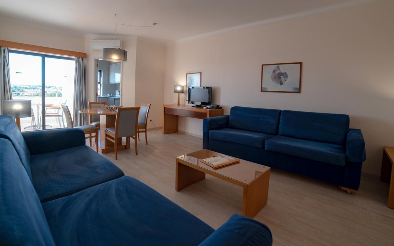 Aparthotel Vila Petra (1)
