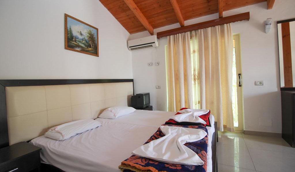 Apartment with Balcony 11-min