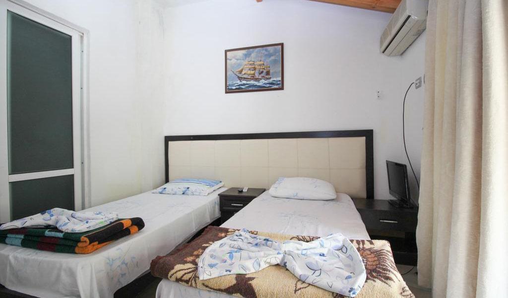 Apartment with Balcony 12-min