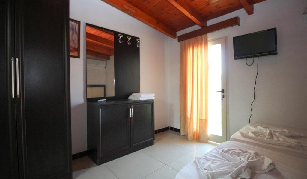 Apartment with Balcony 8-min