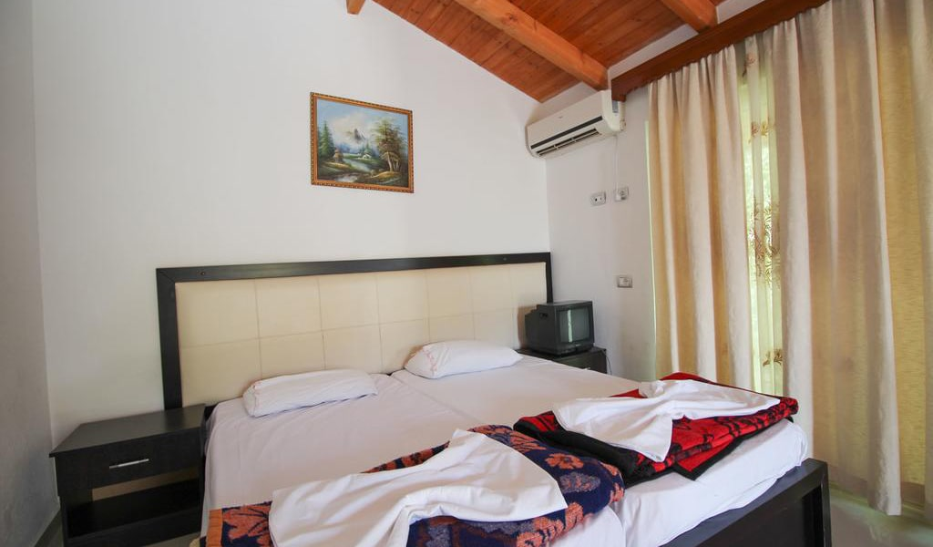 Apartment with Balcony 9-min