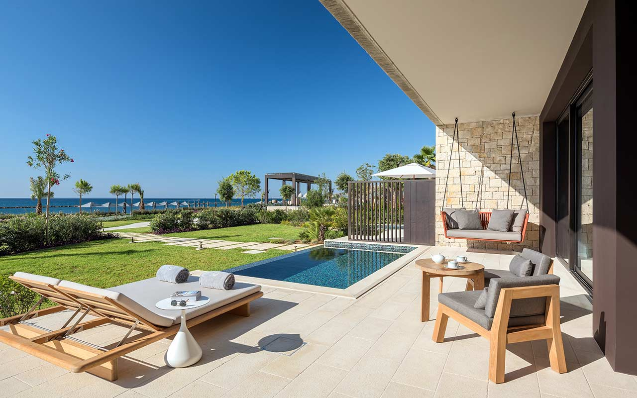 Bungalow---Terrace-with-Private-Pool