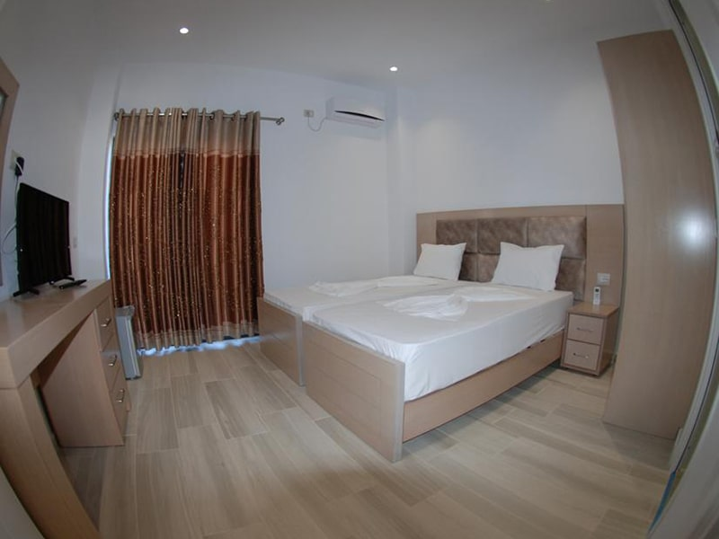 Deluxe Double Room with Sea View 3-min